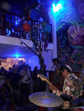 Música en vivo y humisha en una de las fiestas más importantes de la amazonía. La fiesta del carnaval.