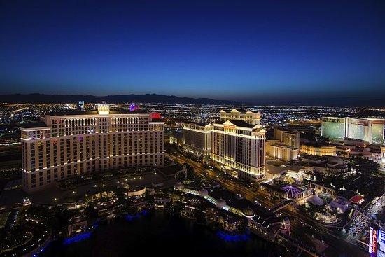 Vegas Night Out: Las Vegas Night Flight and Dinner for Two صورة فوتوغرافية