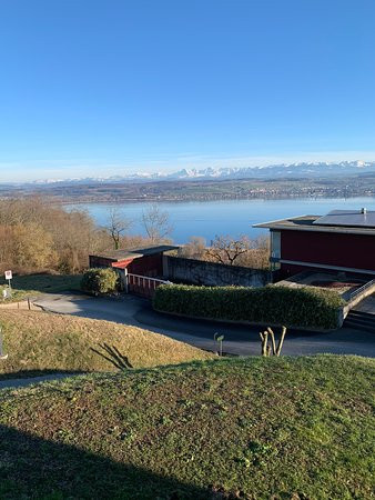Lugnorre, Швейцария: Aussicht vom Balkon