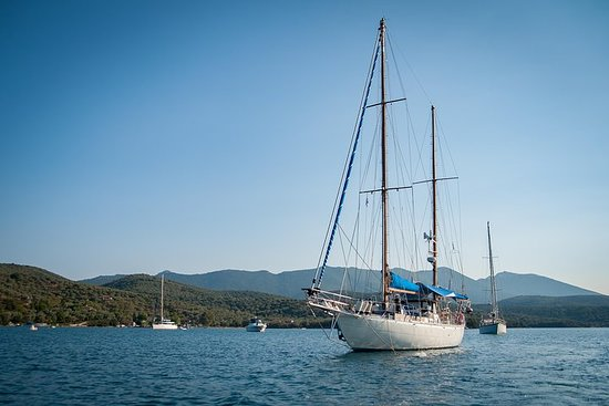 Фотография FULL DAY Private Sailing to SPETSES ISLAND