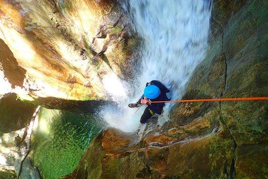 Canyoning Ecouges 50 minuten van LYON Vercors