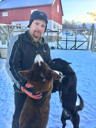 Lyngen Municipality, Noruega: Tommy and his dogs