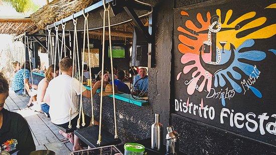Distrito Fiesta cuenta con reconfortables columpios