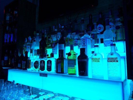 Mojos Bar