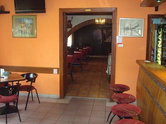 Slatina, Horvátország: Doorway to the restaurant itself