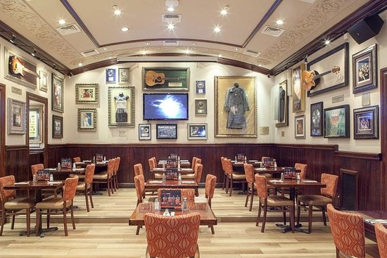 Ảnh về From Rome : Amazing Hard Rock Cafe Priority Seating With Dinner