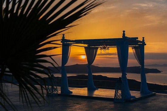 Foto de Experiencia gastronómica al atardecer en Santorini