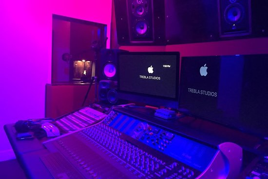 Enregistrement karaoké dans un studio d'enregistrement professionnel