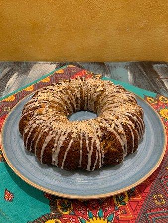 Torta de zanahoria hecha con productos locales y artesanales,