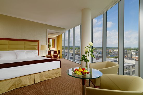 Sheraton Athlone Hotel, Hotels in Athlone