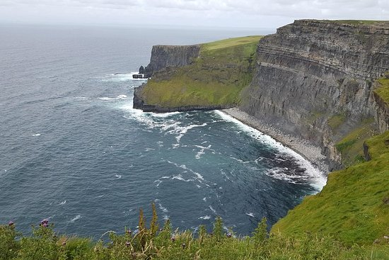 Cliffs of Moher Explorer Tour from Limerick - 5 hour stop at the...