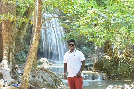 Erawan Wasserfall, schwimmender Markt...