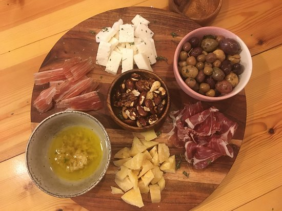 Market to Table: Market Tour & Cooking Class: Delicious cheese and ham platter