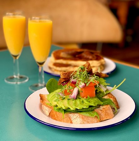 Owl & Hitchhiker: Bit a' brunch -- fluffy American Style Pancakes, avo on toast & mimosas
