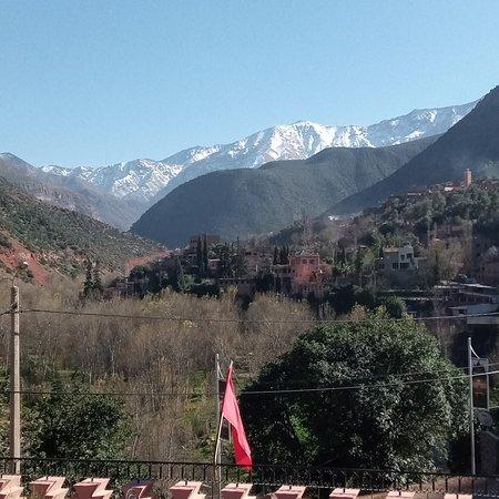 Marrákeš, Maroko: Excursions vers( casa_essaouira- Agadir -ouarzazat-ourika -......) Circuit s et taxi et départ et les arrivées