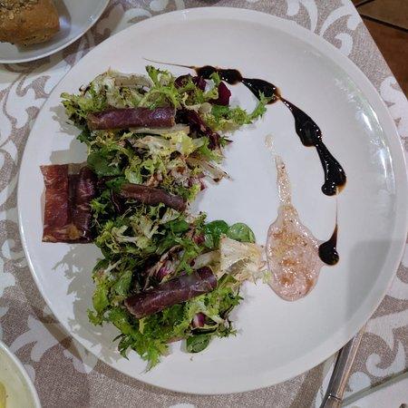 Cena tranquila y comida muy buena quitando alguna cosa