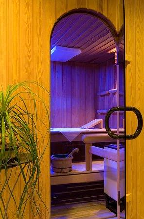 Aparthotel Garni dala Leukerbad - unsere kleine Wohlfühloase mit Sauna, Dampfkabine und Massageliege für entspannte Momente