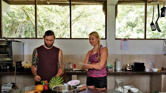Ahuano, Эквадор: Chocolate making class