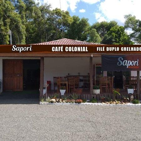 Bela Vista do Toldo, SC: Café colonial, lanches e almoço com filé duplo grelhado.