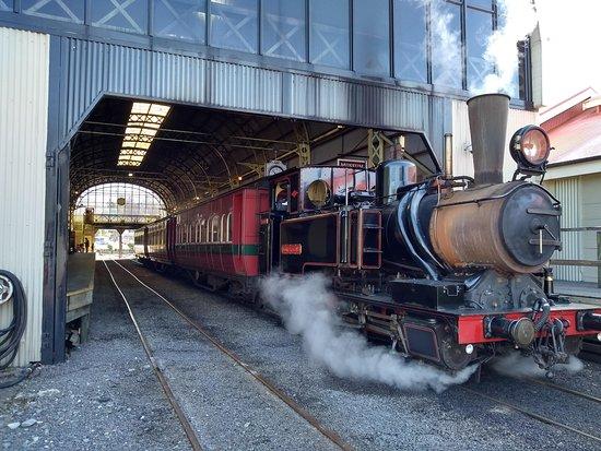 West Coast Wilderness Railway: Rack and Gorge from Queenstown: Estación de Queenstown