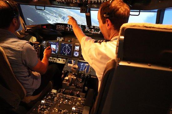 Flight Experience Sydney - Flight Simulator
