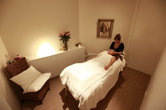 La Diosa - Massage Neutral Bay. (Treatment Room)