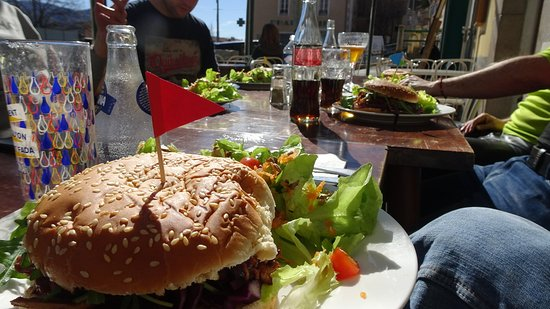 Мезель, Франция: Déjeuner bien sympathique