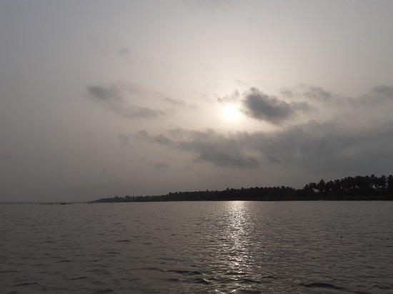 Togoville, Togo: Levé du soleil sur le Lac Togo