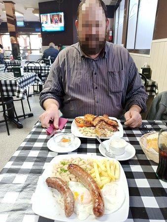 Almuerzo de platos combinados.