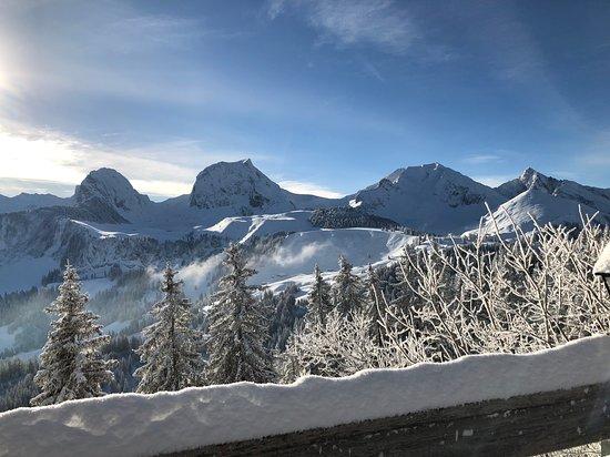 Riggisberg, Schweiz: Winterwonderland Gurnigel Berghaus