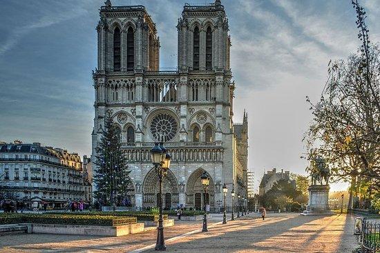 幽灵巴黎徒步之旅:蒙娜丽莎的谋杀之夜游戏(巴黎圣母院,新桥)