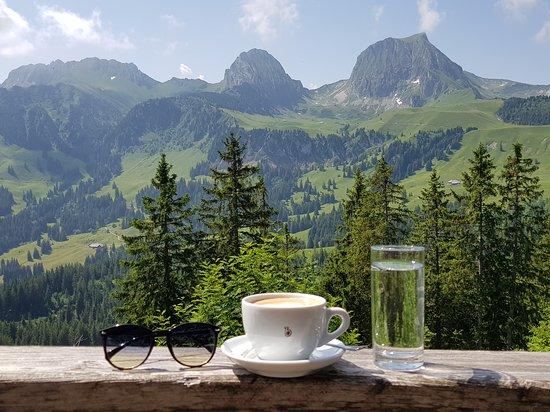 Riggisberg, Schweiz: Fantastische Blaser Kaffee Spezialitäten mit Aussicht
