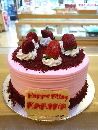 Birthday Cake Cirebon, Custom Cake Cirebon, Kue Ulang Tahun Cirebon, Cake Karater Cirebon.