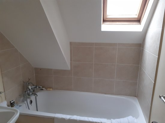 Madeley, UK: bath in room 12