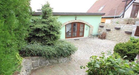 Olbramovice, Czech Republic: prostorná terasa