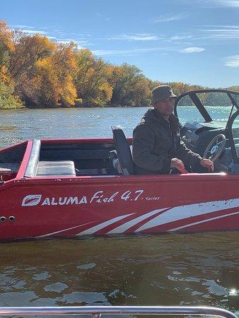 Zamyany, Russia: Классическая лодка Aluma Fish 4,7 L! Поразительные ходовые характеристики и превосходная управляемость обеспечат приятное времяпрепровождение и досуг.