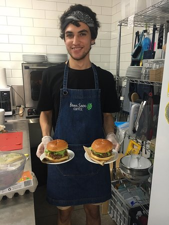 Deception Bay, Австралия: Austin is currently volunteering at Bean seen Cafe which has helped him to develop new skills and make him job ready. Congratulations Austin