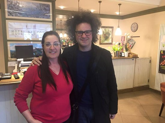 Castelnuovo di Val di Cecina, Italia: Simone Cristicchi all'hotel dei Conti in occasione di uno spettacolo.