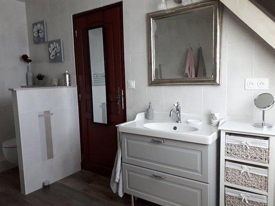 Limetz-Villez, Frankrig: Salle de bain chambre Alice