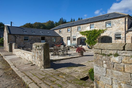 Rothbury, UK: Courtyard at Cragend Farm (courtesy of Dave Burton Features)