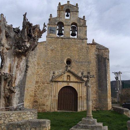 Pesquera de Ebro, España: Iglesia de San Sebastián