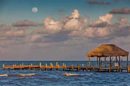 Pelican Beach Resort - Dangriga