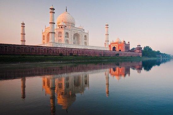 Taj Mahal - Poerty in White Marble
