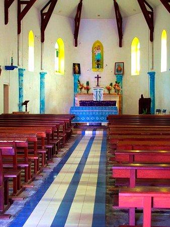 Ouvea, Nieuw Caledonië: Eglise de Mouli La nef  The Nave