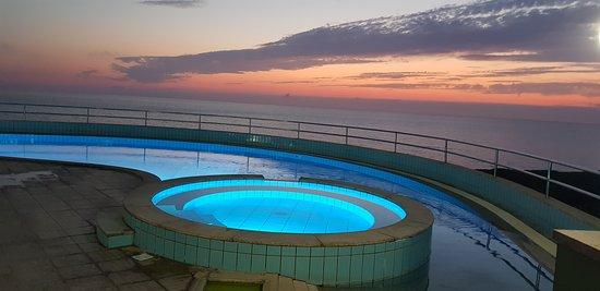 Torre dei Corsari, Италия: La piscina illuminata