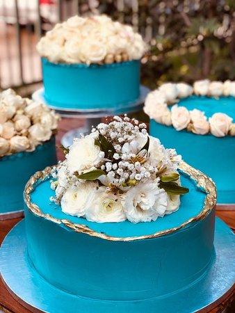 Torta personalizada para novios 🎂👰🏻🤵🏻. #pibaz #novios #wedding