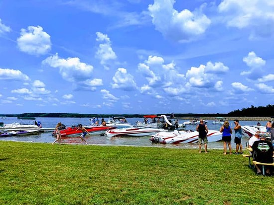 Bumpass, VA: The Hot Dam Boat Show