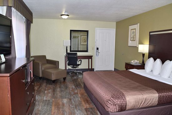 Anderson, CA: King Guest room