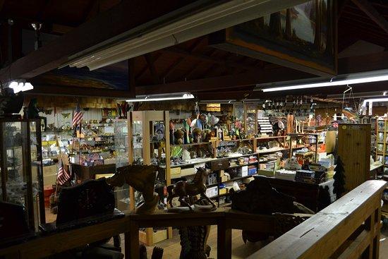 Piercy, CA: gift shop.