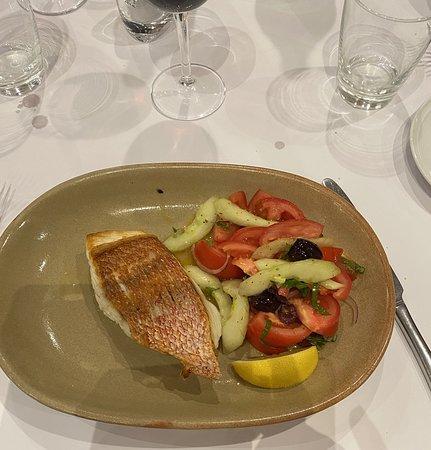 Hindmarsh, Australia: red emporer fish
